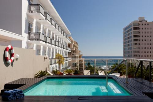The swimming pool at or close to Protea Hotel by Marriott Cape Town Sea Point