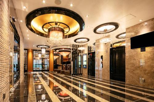 The lobby or reception area at APA Hotel Osaka Umeda