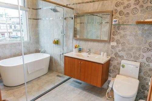 A bathroom at Dreams Come True B&B
