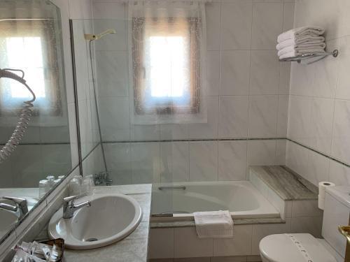A bathroom at Nueva Colina