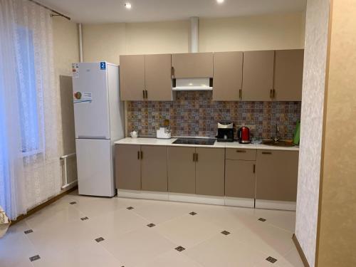 A kitchen or kitchenette at Студия, рядом с аэропортом внуково!!!