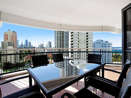 A balcony or terrace at Victoria Square 2 Bed Ocean View Broadbeach