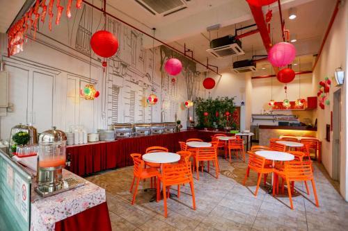 Restavracija oz. druge možnosti za prehrano v nastanitvi The Explorer Hotel