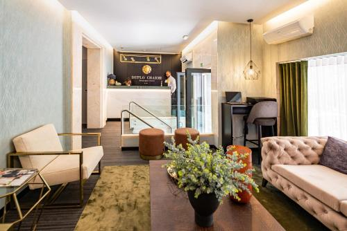 The lobby or reception area at Duplo Charme Boutique Hotel