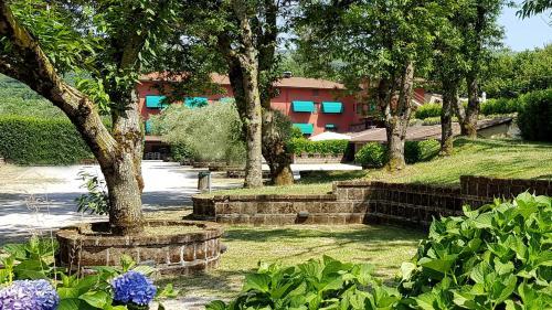A garden outside Agriturismo Ricciardelli
