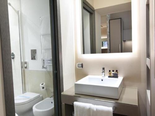 Un baño de Quirinale Luxury Rooms