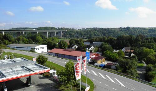 Blick auf Donau-Hotel aus der Vogelperspektive