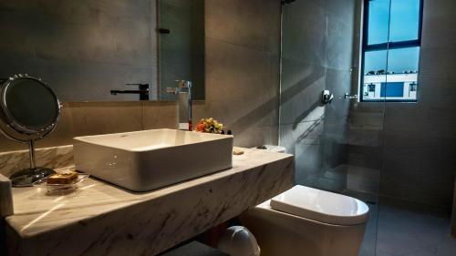 A bathroom at Hotel Boutique Maree