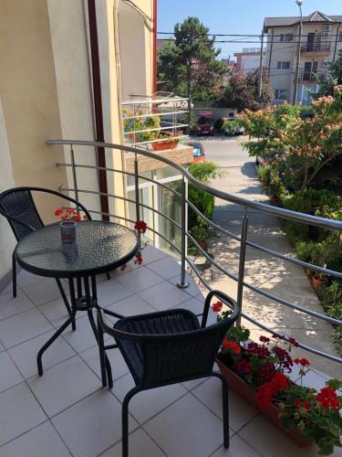 Un balcon sau o terasă la Vila Orient 1