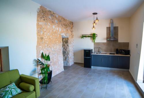 Una cocina o zona de cocina en Casa Rural Las Colmenas
