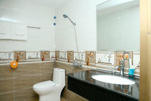 Phòng tắm tại Khách Sạn Thu Nga
