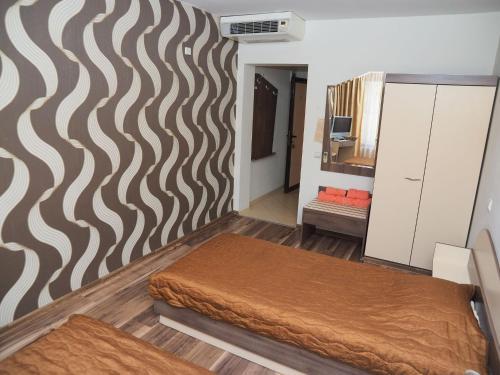 Легло или легла в стая в Хотел Еос