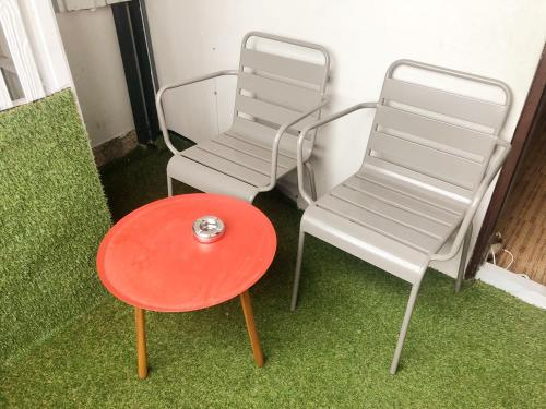 A seating area at GN Luxury Hostel