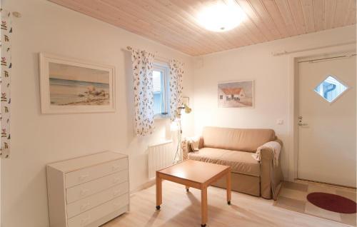 En sittgrupp på One-Bedroom Holiday home Lärbro 0 06