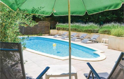 The swimming pool at or near Holiday home Laubanie Est