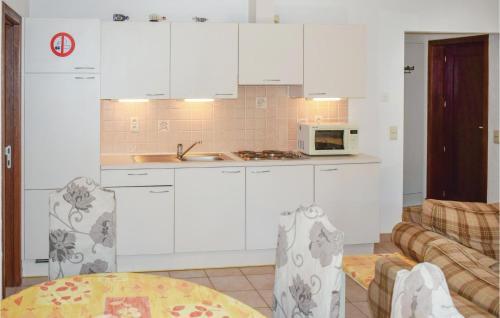 A kitchen or kitchenette at Bredene Beach