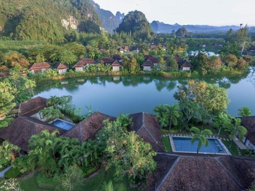 A view of the pool at Bor Saen Villa & Spa or nearby