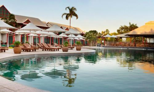 The swimming pool at or close to Cable Beach Club Resort & Spa