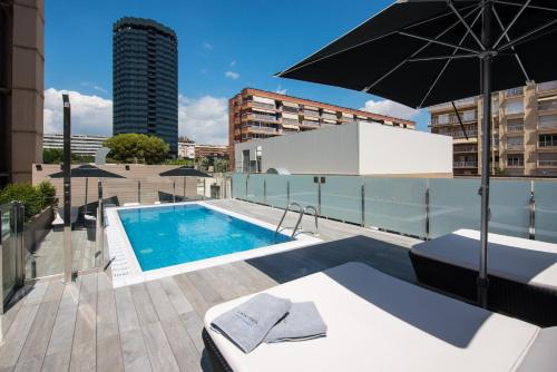 The swimming pool at or near Catalonia Rigoletto