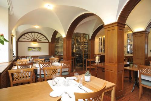 Ein Restaurant oder anderes Speiselokal in der Unterkunft Restaurant Attisholz