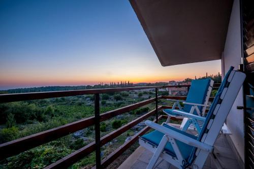 A balcony or terrace at Le Petit