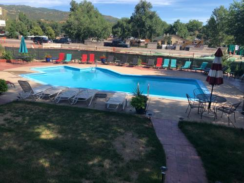 The swimming pool at or near Rainbow Lodge and Inn
