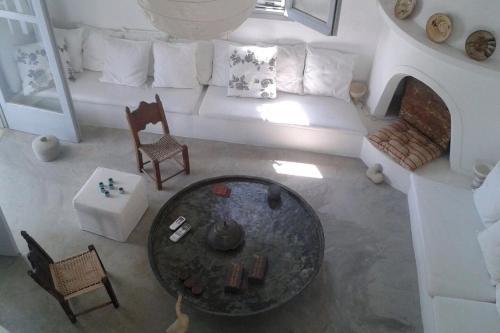Χώρος καθιστικού στο Gialos House