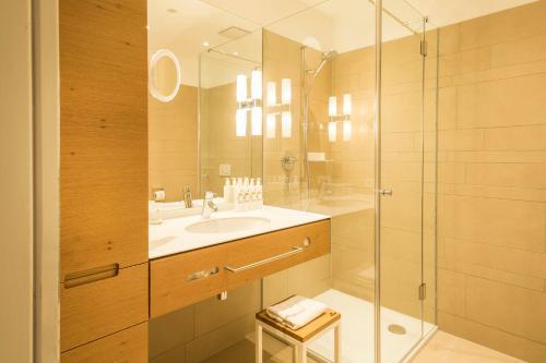 A bathroom at Hotel Zumnorde Am Anger