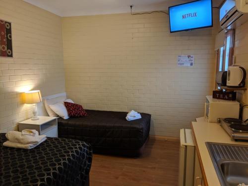 A seating area at Bondi Motel