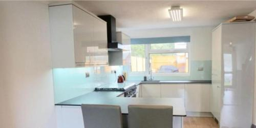 Corporate Large Modern 3 Bedroom House