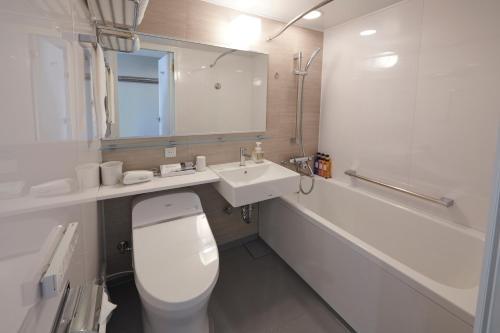 A bathroom at HOTEL VISCHIO AMAGASAKI by GRANVIA