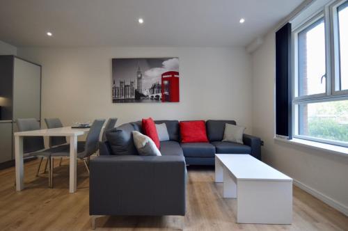 New Modern 2 Bedroom Bedminster Apartment