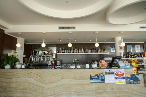 The lounge or bar area at Hotel I Crespi