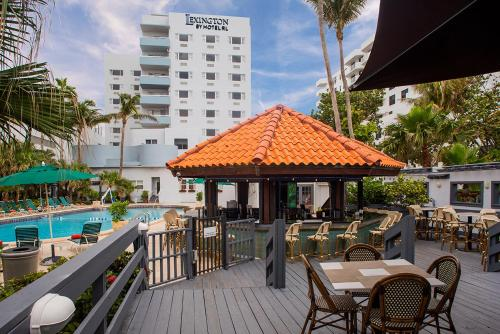 A restaurant or other place to eat at Lexington by Hotel RL Miami Beach
