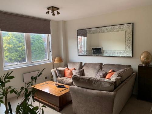Accommodation Windsor Ltd - 4 The Courtyard