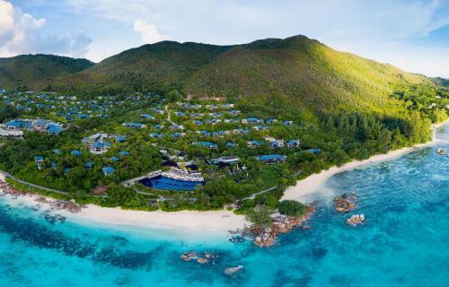 Blick auf Raffles Seychelles aus der Vogelperspektive