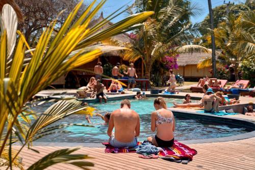 Der Swimmingpool an oder in der Nähe von Begadang
