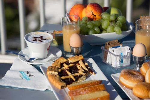 Breakfast options available to guests at Hotel Maja