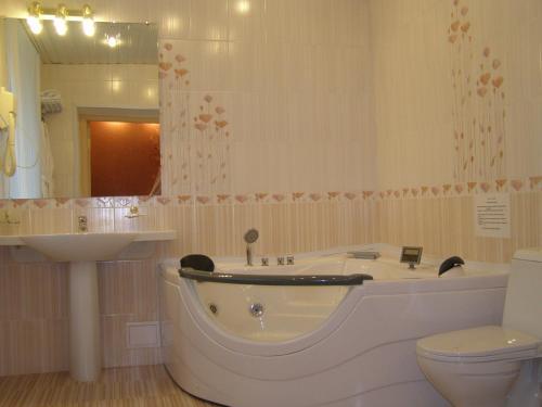 A bathroom at Hotel Brigantina