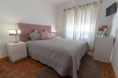 Uma cama ou camas num quarto em O Veleiro by MP