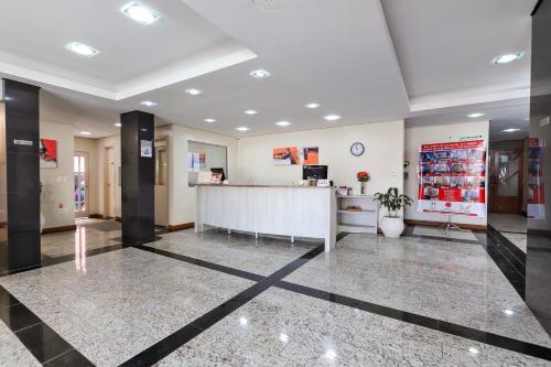The lobby or reception area at Hotel Suárez Campo Bom
