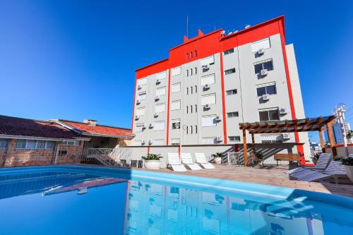 The swimming pool at or close to Hotel Suárez Campo Bom
