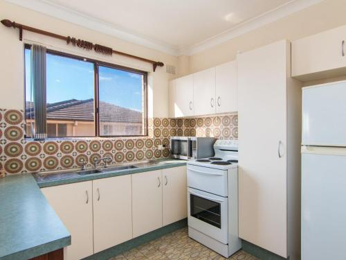 A kitchen or kitchenette at Seabreeze 3