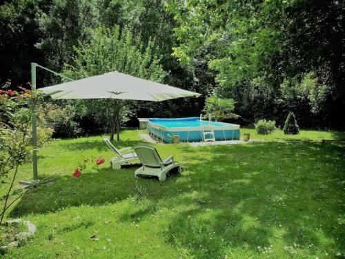 A garden outside Le Gite au Vert