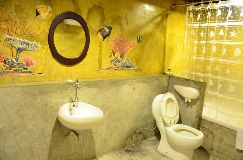 ザ カラード ハウス ジョムティエンにあるバスルーム