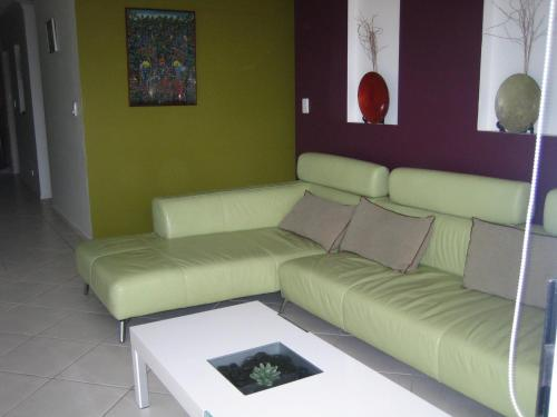 A seating area at Casablanca Palms