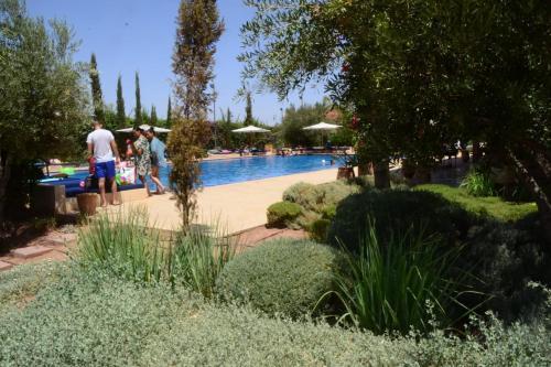 The swimming pool at or near Villa les jardins de l'Atlas
