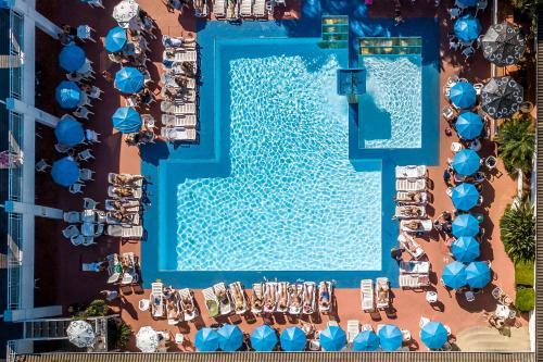 Uma vista da piscina em Atibaia Residence Hotel & Resort ou nos arredores