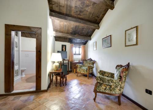 Area soggiorno di Castello Di Caccuri Suites
