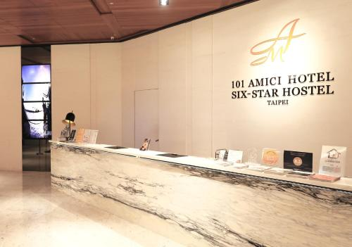 The lobby or reception area at Amici hotel Six Star Hostel